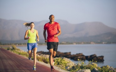 Question à ASICS : devez-vous modifier votre approche pour vos entraînements de running en été ?